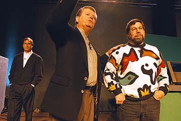 Gil Amelio&Steve Wozniak&Steve Jobs.jpg