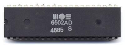 MOS_6502AD_4585_top.jpg